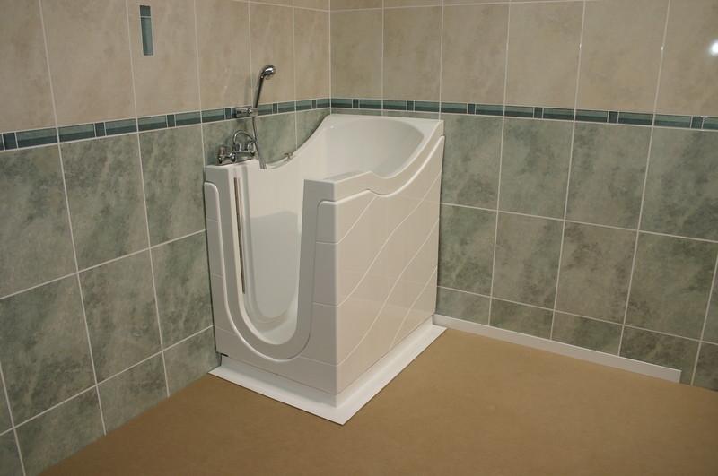 baignoire a porte little gem c vennes am nagements. Black Bedroom Furniture Sets. Home Design Ideas
